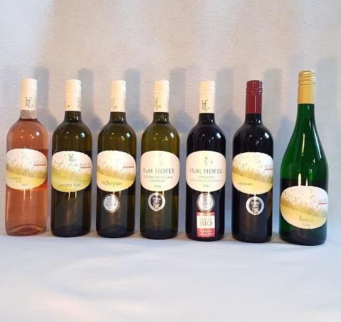 Smagekassen består af:Zweigelt Rosé,Sauvignon Blanc,Weisserburgunder, Grüner Veltliner Freiberg, Zweigelt Von Kleinen Eichenfass, Gaissbero Biosecco Riesling